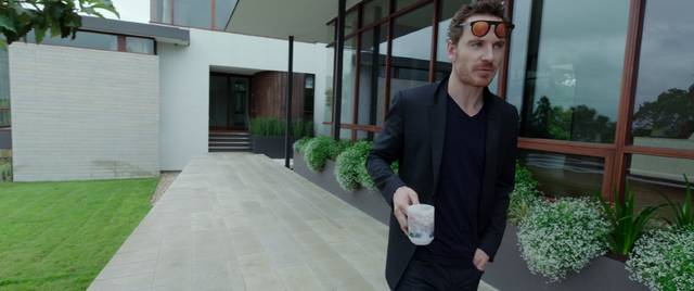 Song to Song Michael Fassbender foto dal film 2