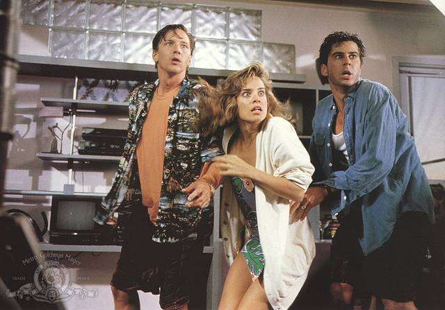 Weekend con il morto Andrew McCarthy Jonathan Silverman Catherine Mary Stewart foto dal film 2
