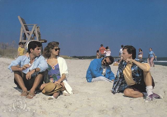 Weekend con il morto Andrew McCarthy Jonathan Silverman Terry Kiser Catherine Mary Stewart foto dal film 2