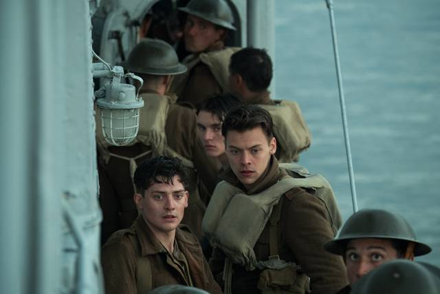 Dunkirk_Aneurin Barnard Harry Styles_foto dal film 1