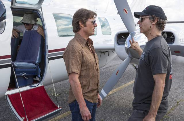Barry Seal - Una storia americana_Tom Cruise ed il regista Doug Liman_foto dal set 1