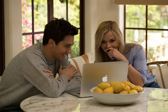 40 sono i nuovi 20 Reese Witherspoon Nat Wolff foto dal film 5
