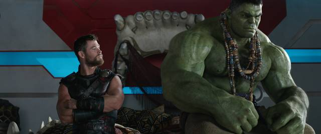 Thor - Ragnarok Chris Hemsworth Mark Ruffalo foto dal film 3