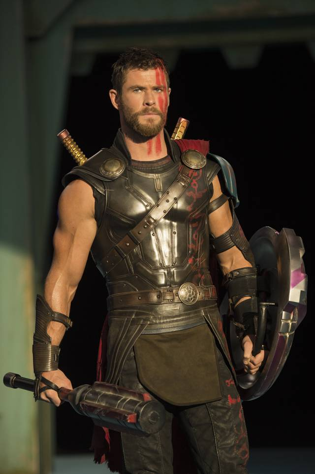 Thor - Ragnarok Chris Hemsworth foto dal film 3