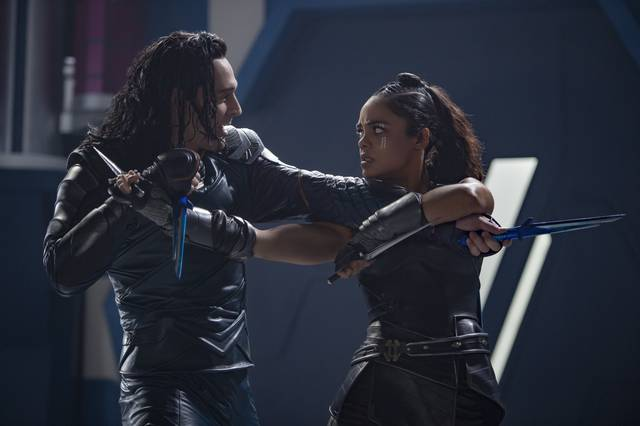 Thor - Ragnarok Tom Hiddleston Tessa Thompson foto dal film 2