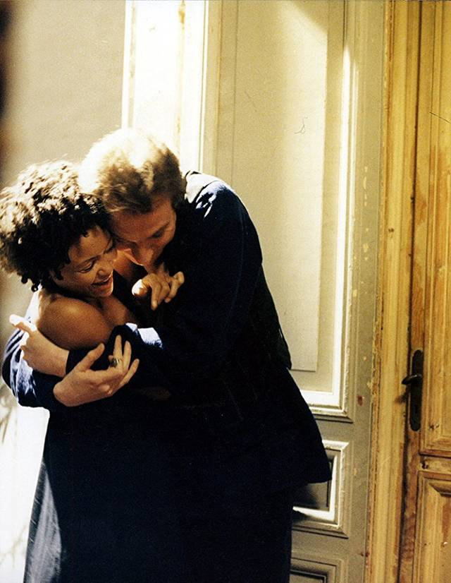 l'assedio Thandie Adjewa Newton David Thewlis foto dal film 6