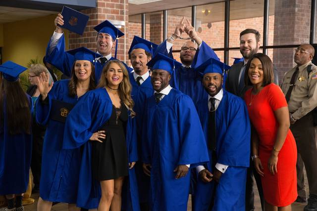 La scuola serale_Fat Joe Kevin Hart Taran Killam Romany Malco Mary Lynn Rajskub Al Madrigal Rob Riggle Tiffany Haddish Anne Winters_foto dal film 2