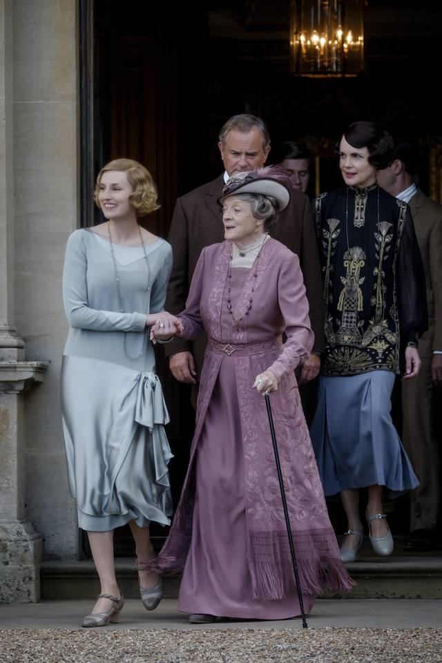 Downton Abbey_Maggie Smith Joanne Froggatt Hugh Bonneville Elizabeth McGovern_foto dal film 2