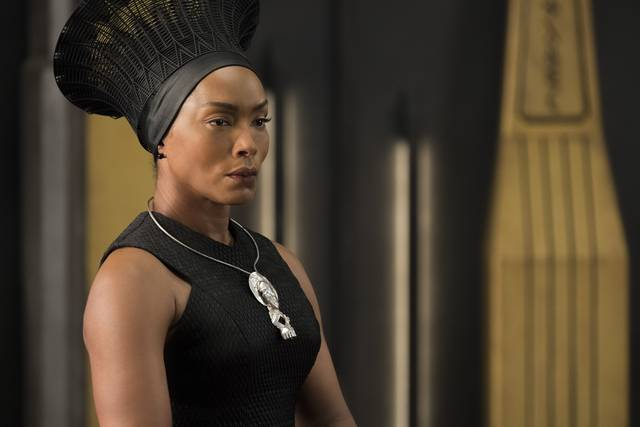 Black Panther Angela Bassett foto dal film 1