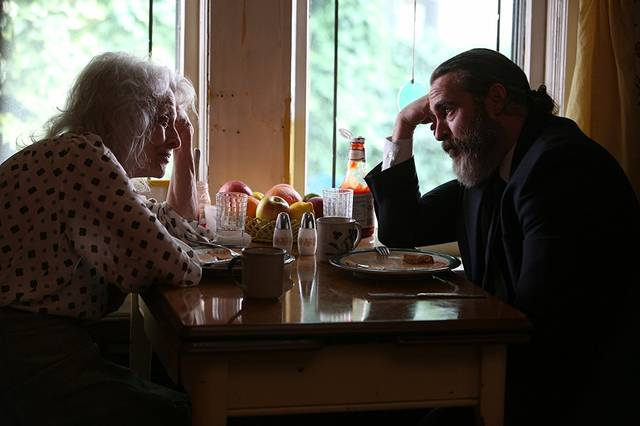 You Were Never Really Here Joaquin Phoenix Judith Roberts foto dal film 1