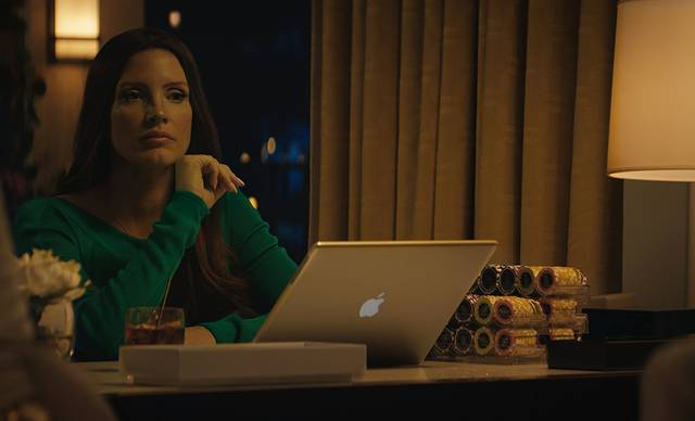 Molly's Game Jessica Chastain foto dal film 13
