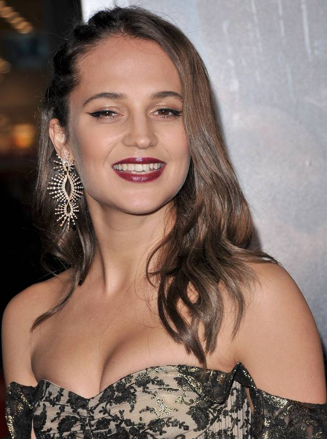 Tomb Raider - Alicia Vikander Premiere Hollywood foto 16