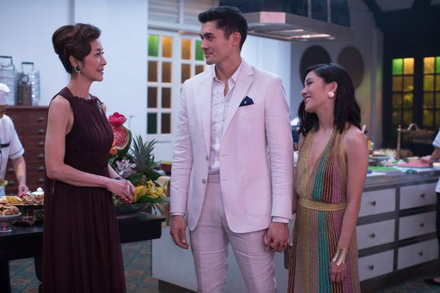 Crazy & Rich_Constance Wu Henry Golding Michelle Yeoh_foto dal film 6