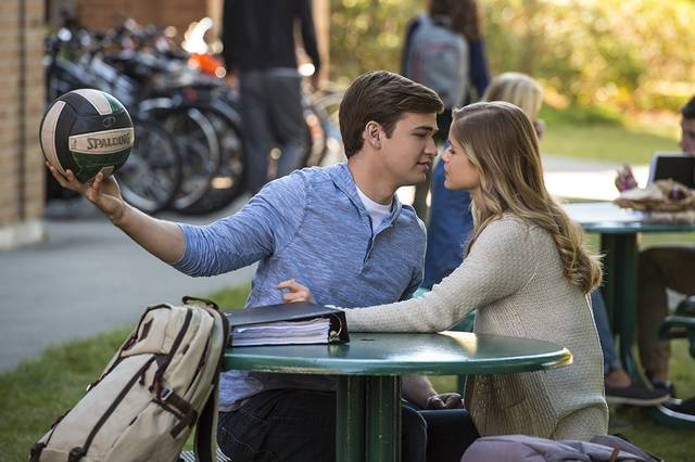 The Miracle Season Burkely Duffield Erin Moriarty foto dal film 1
