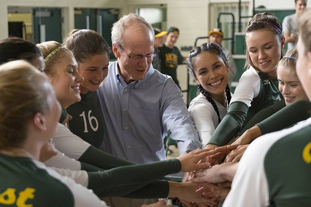 The Miracle Season William Hurt foto dal film 3