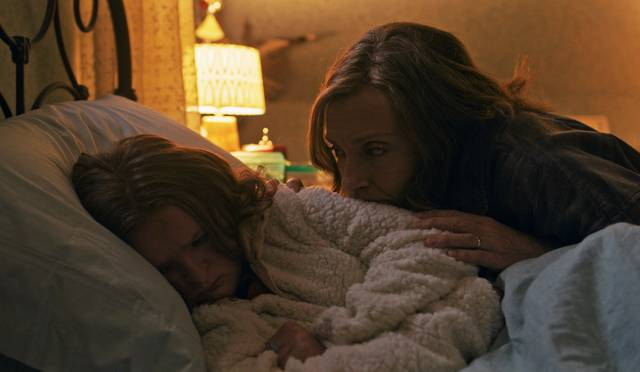 Hereditary Toni Collette Milly Shapiro foto dal film 3
