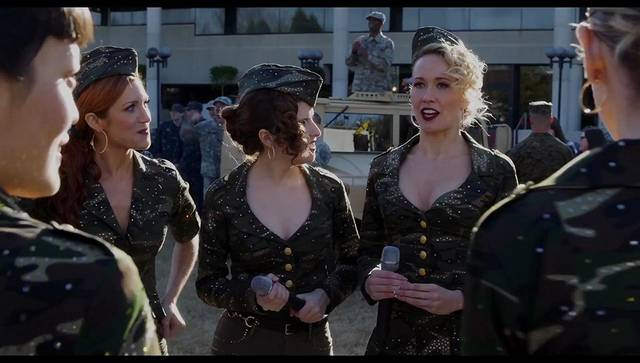 Pitch Perfect 3 Anna Kendrick Brittany Snow Anna Camp Hana Mae Lee foto dal film 8
