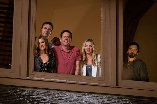 PRENDIMI_Isla Fisher Jon Hamm Ed Helms Annabelle Wallis Jake Johnson Hannibal Buress_foto dal film 2