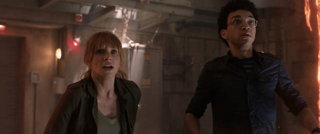 Jurassic World - Il Regno Distrutto_Bryce Dallas Howard Justice Smith_foto dal film 3