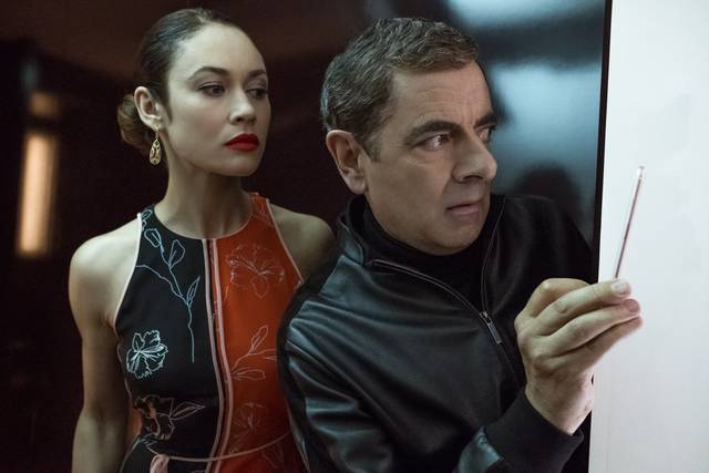 Johnny English Colpisce Ancora_Rowan Atkinson Olga Kurylenko_foto dal film 5