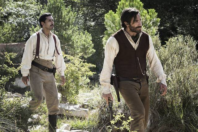 The Sisters Brothers Jake Gyllenhaal Riz Ahmed foto dal film 1