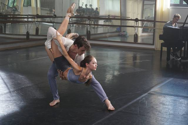 New York Academy - Free Dance Juliet Doherty Harry Jarvis foto dal film 5