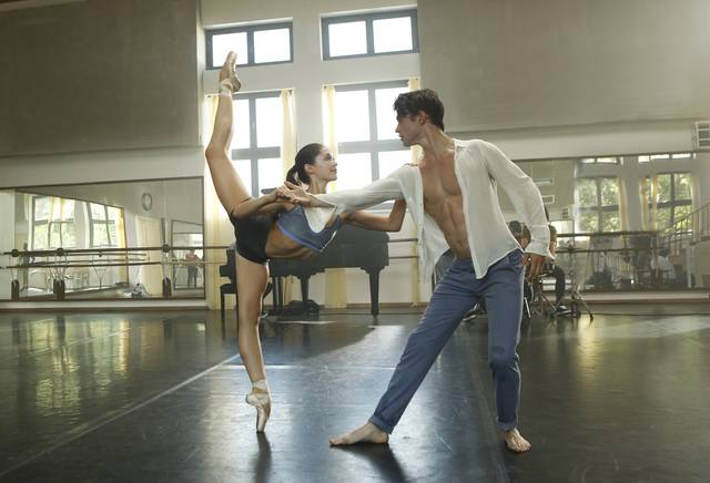New York Academy - Free Dance Juliet Doherty Thomas Doherty foto dal film 4