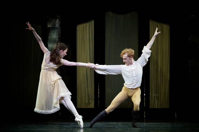 Mayerling. Sarah Lamb as Mary Vetsera and Steven McRae as Prince Rudolf. ROH, 2017. Ph. Alice Pennefather foto 3