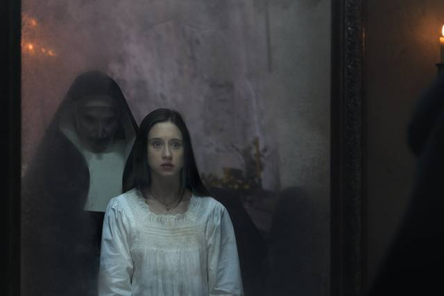 The Nun – La vocazione del male_Bonnie Aarons Taissa Farmiga_foto dal film 6