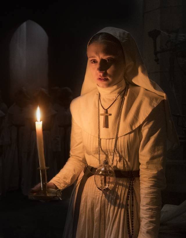 The Nun – La vocazione del male_Taissa Farmiga_foto dal film 8