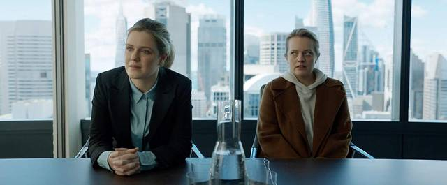 The Invisible Man Elisabeth Moss Harriet Dyer foto dal film 1