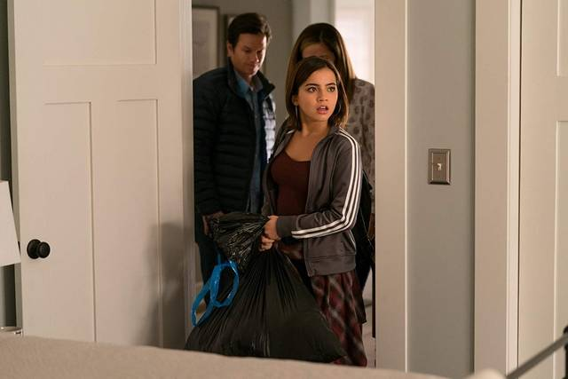 Instant Family Mark Wahlberg Rose Byrne Isabela Moner foto dal film 1
