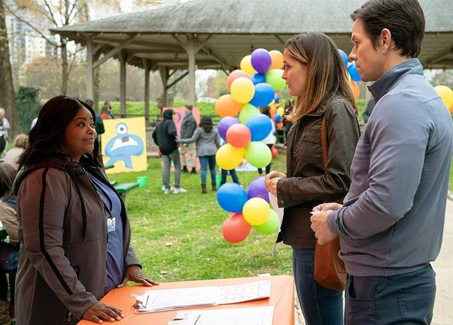 Instant Family Mark Wahlberg Rose Byrne Octavia Spencer foto dal film 2