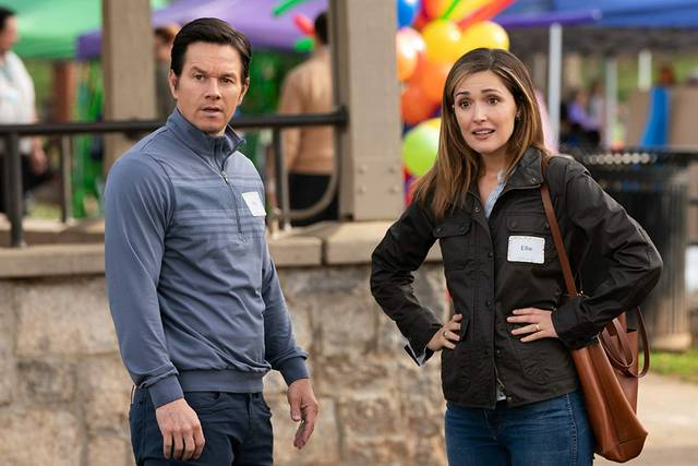 Instant Family Mark Wahlberg Rose Byrne foto dal film 2