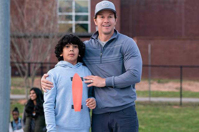 Instant Family Mark Wahlberg foto dal film 3