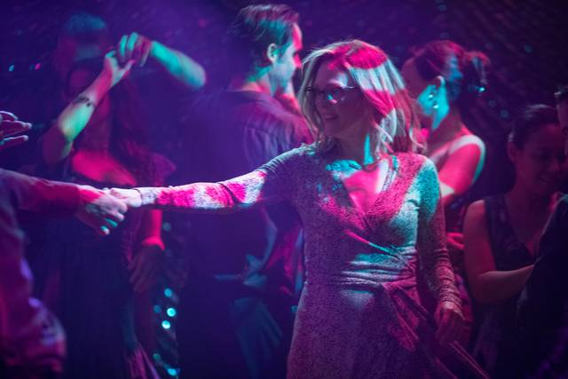 Gloria Bell Julianne Moore foto dal film 14