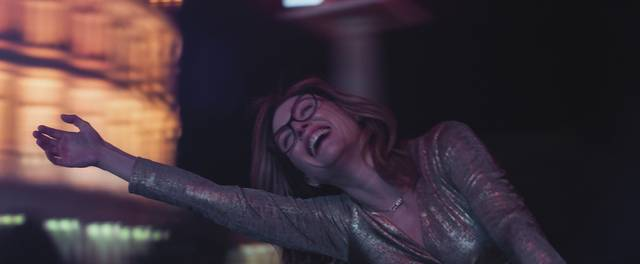 Gloria Bell Julianne Moore foto dal film 4