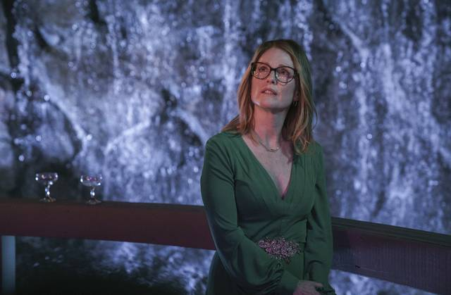 Gloria Bell Julianne Moore foto dal film 8