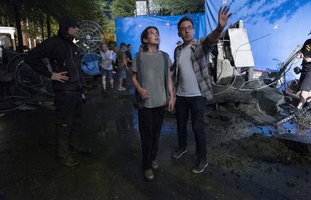 Godzilla 2 - King of the Monsters_Millie Bobby Brown ed il regista Michael Dougherty_foto dal set 1