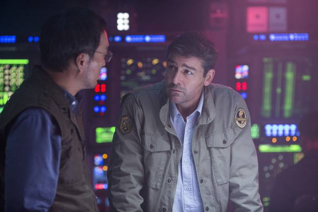 Godzilla II King of the Monsters_Kyle Chandler Ken Watanabe_foto dal film 12
