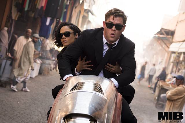 Men in Black International Chris Hemsworth Tessa Thompson foto dal film 5