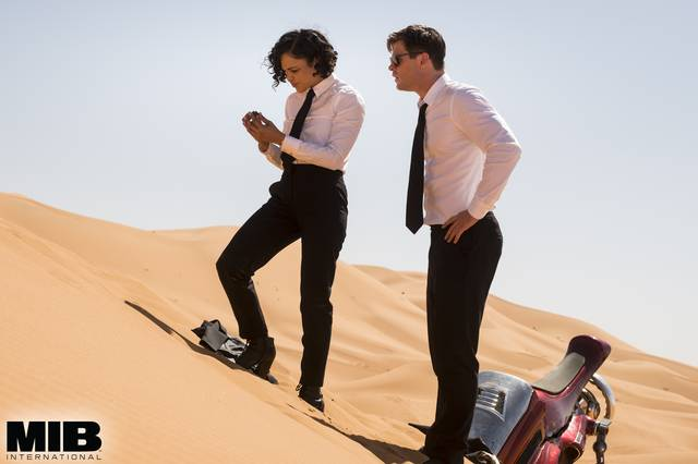 Men in Black International Chris Hemsworth Tessa Thompson foto dal film 6