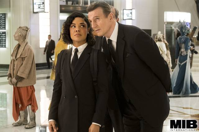 Men in Black International Liam Neeson Tessa Thompson foto dal film 7