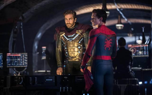 Spider-Man Far From Home_Tom Holland Jake Gyllenhaal _foto dal film 2