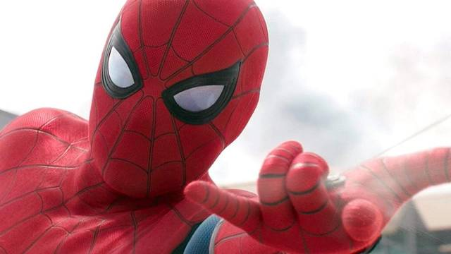 Spider-Man Far From Home Tom Holland foto dal film 14