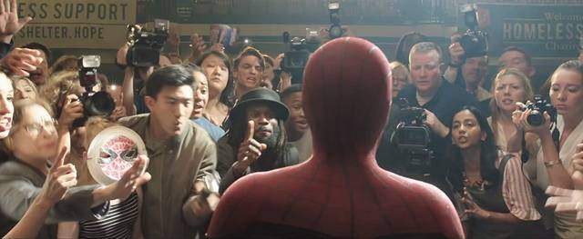 Spider-Man Far From Home Tom Holland foto dal film 16