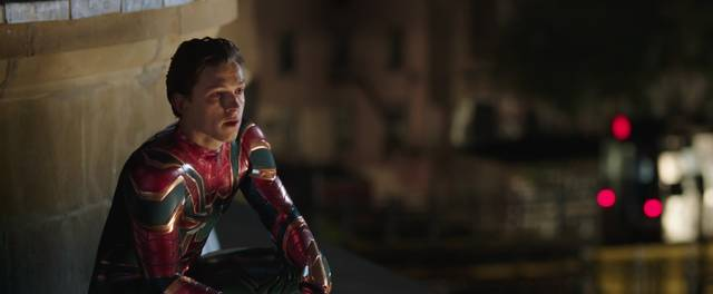 Spider-Man Far From Home Tom Holland foto dal film 19
