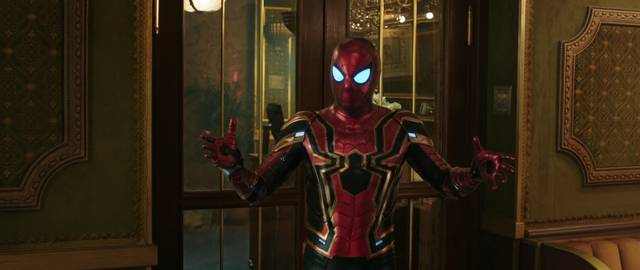 Spider-Man Far From Home Tom Holland foto dal film 21