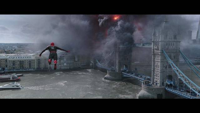 Spider-Man Far From Home Tom Holland foto dal film 2