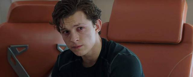 Spider-Man Far From Home Tom Holland foto dal film 9